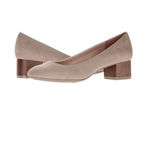 Time and Tru Women's Block Heel Shoe